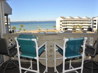 Beautiful Condo with A/C and DVD Player - Pensacola Beach vacation rentals