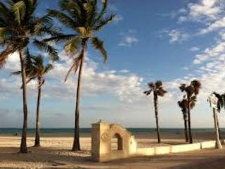 ONE BEDROOM steps from the ocean directly on the World Famous Boardwalk - Hollywood vacation rentals