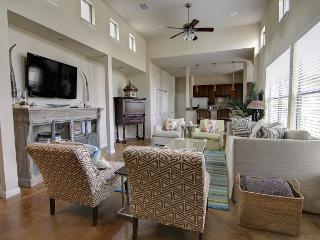 Casa de Miguel - 3BR/3BA Luxurious Beautifully Designed Family Home Soco - Austin vacation rentals