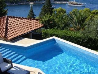 Villa Splitska - Splitska vacation rentals