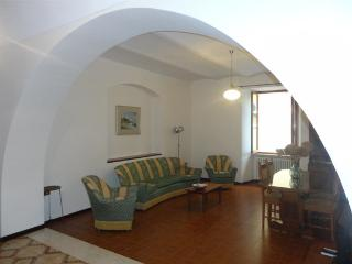 Beautiful Condo with Washing Machine and Television - Fossacesia vacation rentals