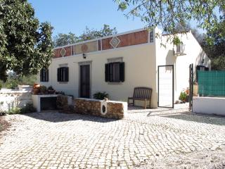 Casa Rosa - a traditional cottage in the Algarve - Loule vacation rentals