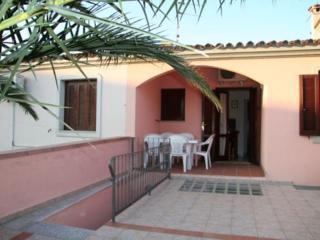 Nice Condo with Deck and Internet Access - San Teodoro vacation rentals