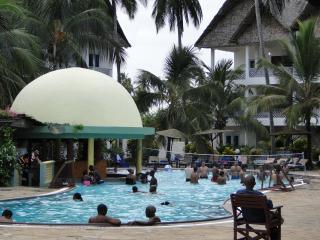 ROYAL RESERVE SAFARI & BEACH CLUB KIKAMBALA KENYA - Kikambala vacation rentals