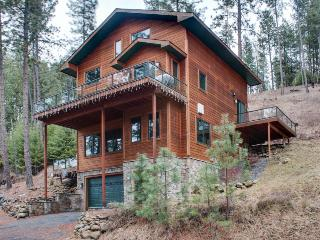 Mountain lodge near Lake Coeur d'Alene w/ spacious decks - Harrison vacation rentals