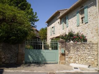 Maison Daire - Goudargues vacation rentals