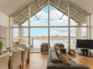 Jambile, 20 Clearwater, Lower Mill Estate - Cirencester vacation rentals