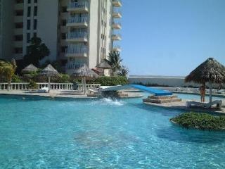 Ocean View Studio Near Hard Rock Cafe - Playa Mujeres vacation rentals