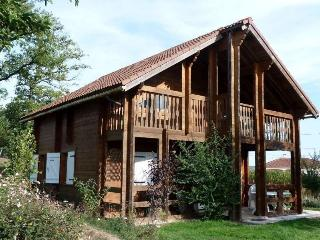 Wooden Lakeside Cottage, Private Pool, Limousin - Nexon vacation rentals