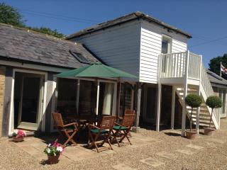 Kent Luxury Cottage Maidstone, nr Leeds Castle - Maidstone vacation rentals