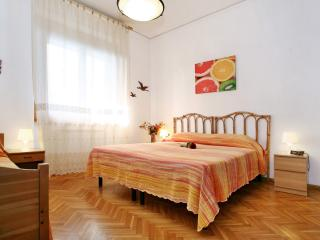 Family comfortable Florence  (A/C, Wifi, Parking) - Scandicci vacation rentals