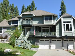 Gorgeous House with Deck and Internet Access - Stateline vacation rentals