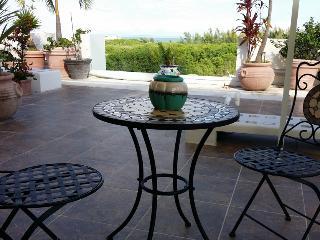 Cozy one bedroom condo - 1 block to Coco Beach! - Yucatan-Mayan Riviera vacation rentals