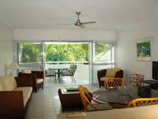 2 Bedroom/1 Bathroom Balcony A - Cairns vacation rentals