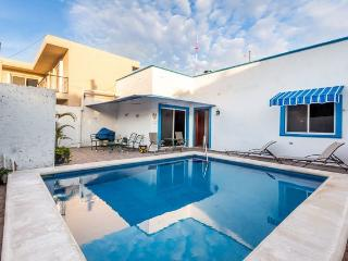 Casa Don Rosa II - Large Pool, Open Layout, Four Blocks to Ocean - Cozumel vacation rentals