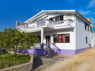 Bright 4 bedroom Bibinje Apartment with Internet Access - Bibinje vacation rentals