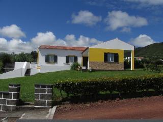 Casa da Boa Vista - pool, garden and fabulous view - Horta vacation rentals