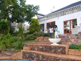 3 bedroom Condo with Internet Access in Krugersdorp - Krugersdorp vacation rentals