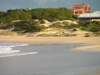 BEACHFRONT VILLA AFRICAN QUEEN SOUTH AFRICA - Jeffreys Bay vacation rentals