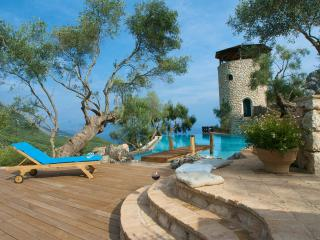Luxury Villa Del Cielo with Pool  and Sea Views - Spartilas vacation rentals