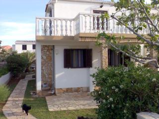 Apartman Komar Povljana - Povljana vacation rentals