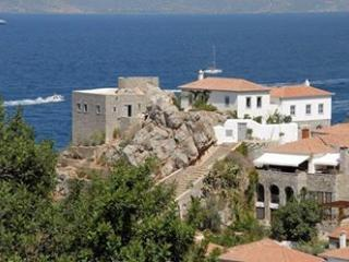 Beautiful 4 bedroom House in Hydra - Hydra vacation rentals