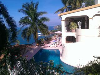 Villa Paraiso, 6 bedroom, 5 bath Villa. - Acapulco vacation rentals