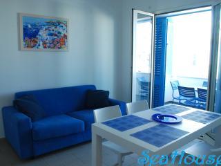 Complesso SeaHouses a Lido Marini - Casa B - Lido Marini vacation rentals