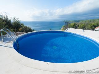 BC11 Luxury frontline villa Erica - Sutivan vacation rentals