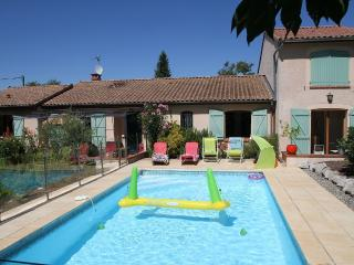 Cozy 2 bedroom Guest house in Toulouse with Internet Access - Toulouse vacation rentals
