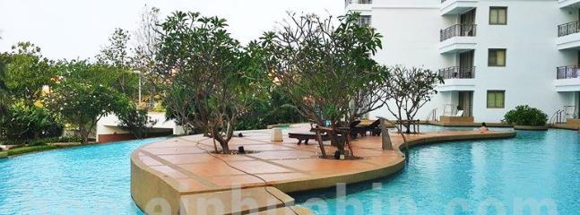 RCH9 2 Bedroom Luxury Condo In North Hua Hin - Hua Hin vacation rentals