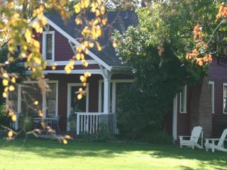 Beautiful Farmhouse on Working Horse Ranch - Southern Oregon vacation rentals