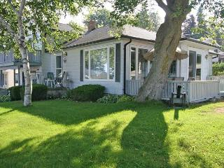 Nice Cottage with Deck and Internet Access - Kincardine vacation rentals