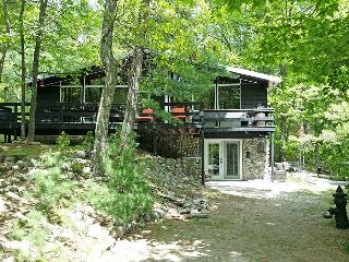 Nice Cottage with Deck and Internet Access - Lafontaine vacation rentals