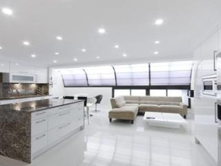 4Bed/4Bath Presidential Penthouse with Jacuzzi - London vacation rentals