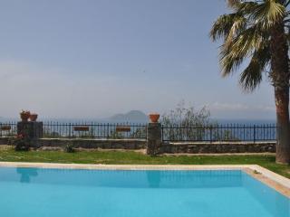Nice 4 bedroom Kadikalesi Villa with A/C - Kadikalesi vacation rentals