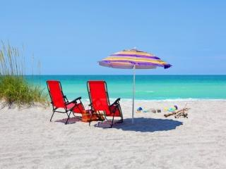 Only 150 yrds to Siesta Key Beach and heated pool! - Siesta Key vacation rentals