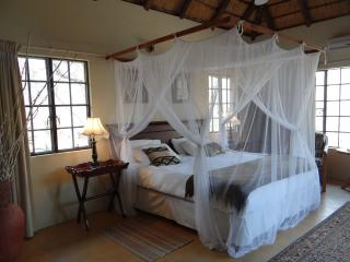 Cozy 3 bedroom Guest house in Marloth Park - Marloth Park vacation rentals