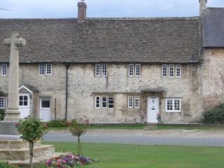 Country House in Biddestone sleeps 7 - Corsham vacation rentals
