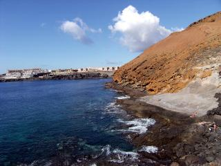 10.Nice apartamaent on the 1st line with see views - Costa del Silencio vacation rentals