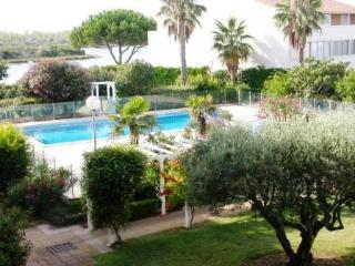 Apartment with swimming pool, terrace and parking - Languedoc-Roussillon vacation rentals