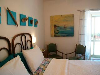 Art & Breakfast, Ripabottoni room Falanghina - Ripabottoni vacation rentals
