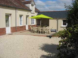 4 bedroom Gite with Television in Seigy - Seigy vacation rentals
