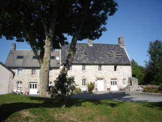 Nice Gite with Internet Access and Tennis Court - Orval vacation rentals