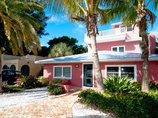 Cook's Cove: 2BR Elderly-Friendly Steps From Beach - Anna Maria vacation rentals