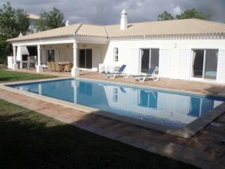 5 BEDROOM VILLA WITH POOL VILA SOL GOLF RESORT - Vilamoura vacation rentals