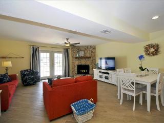 """356 Billfish Unit 7"" Beautiful Town home! Beach and Bay Access! - Fort Walton Beach vacation rentals"