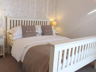 Gorgeous 3 bedroom Cottage in Beaumaris with Internet Access - Beaumaris vacation rentals