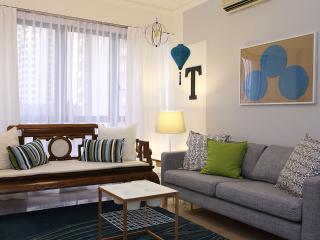Teal Lantern Theme - 3 Bedroom Apartment - Singapore vacation rentals