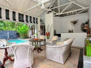 Charming 4 Bedroom Colonial Style in Seminyak - Seminyak vacation rentals